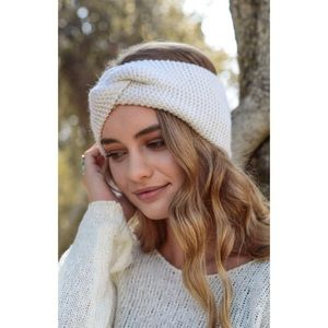 🍁 Ivory Wide Twist Sweater Headband 🍁